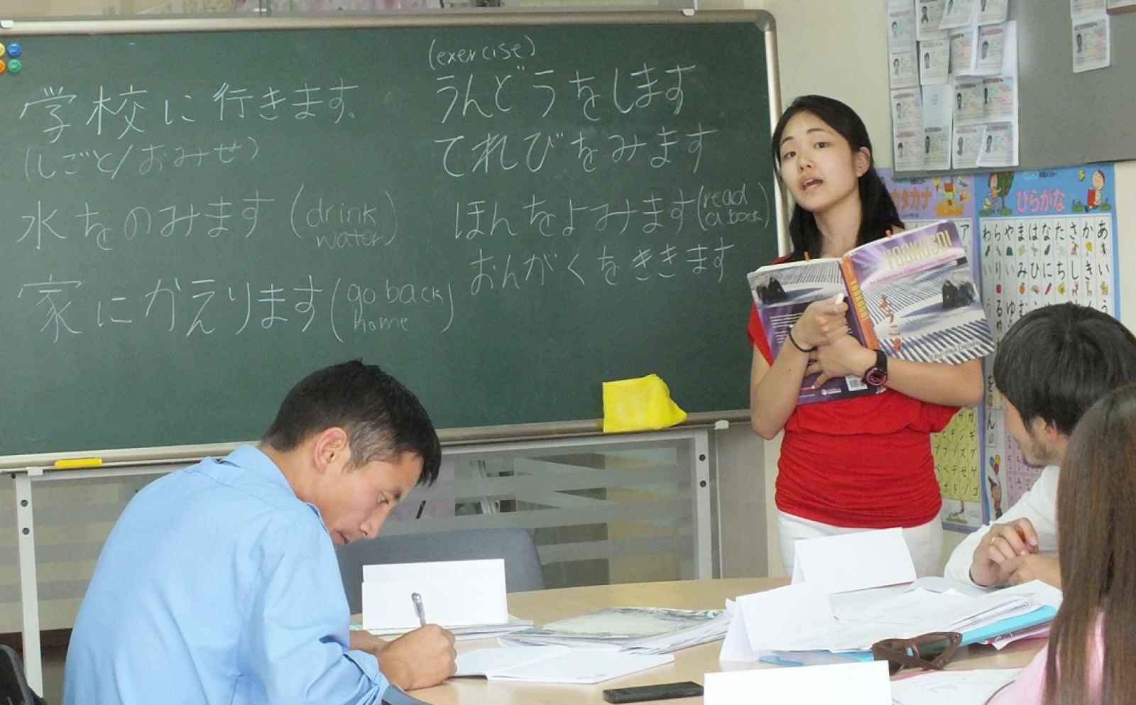 日本人ボランティアがモンゴルで日本語教育に貢献